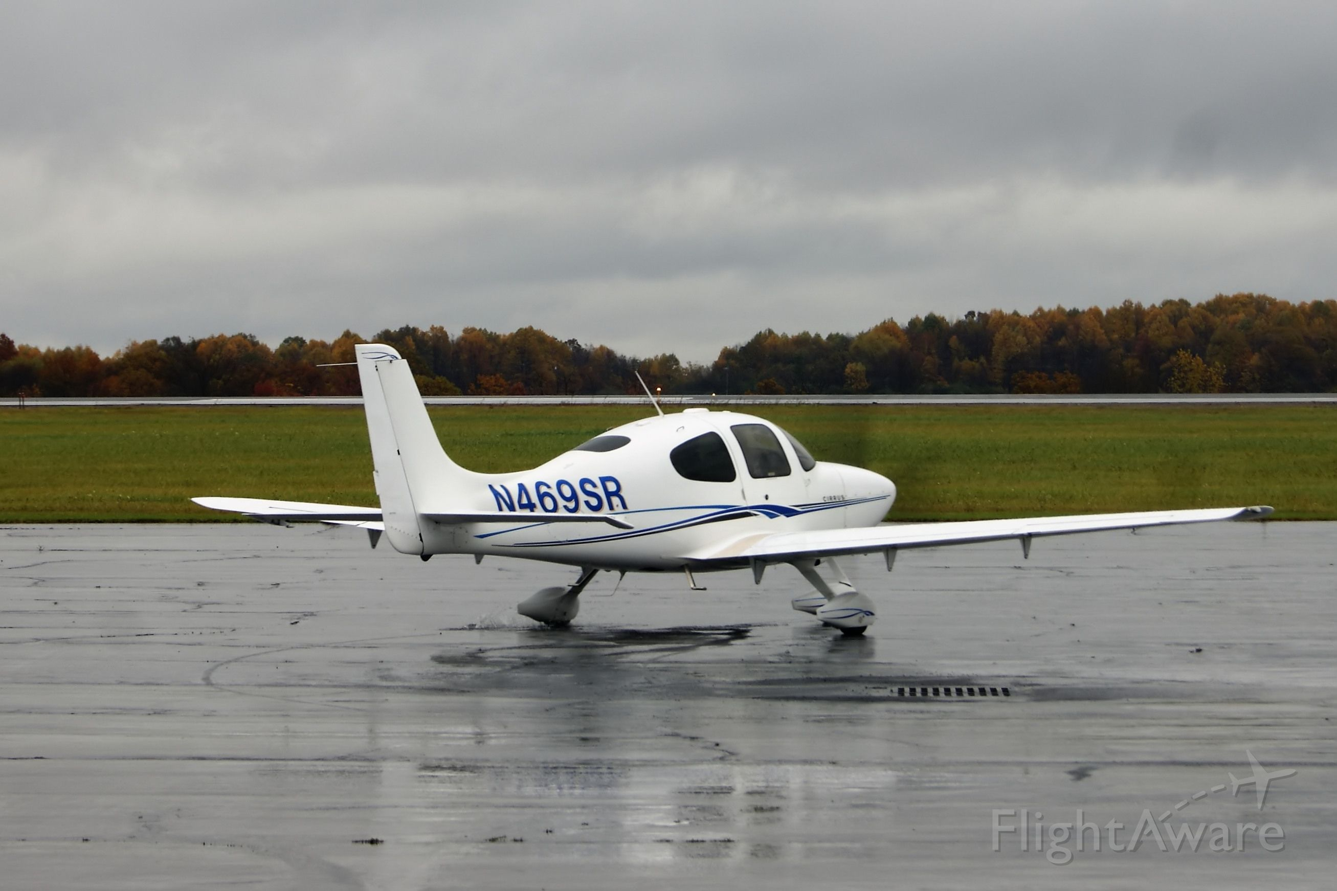 Cirrus SR-22 (N469SR)