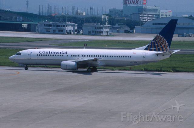 Boeing 737-800 (N35236) - Taxing at Nagoya Intl Airport on 2001/08/13