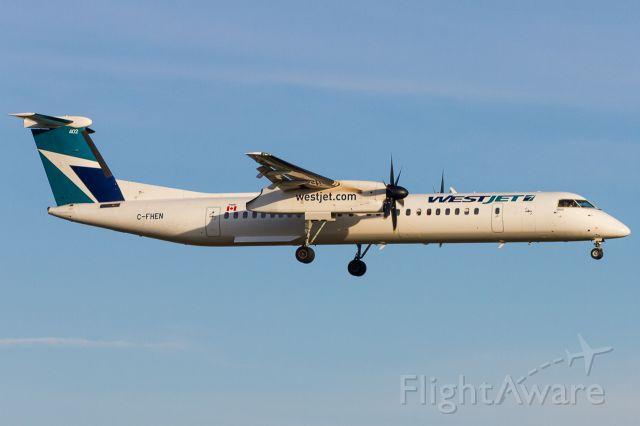de Havilland Dash 8-400 (C-FHEN)