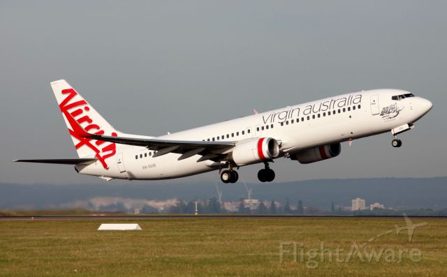 Boeing 737-800 (VH-VUW) - Pebbly Beach Departing From 34R