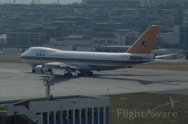 Boeing 747-200 (ZS-SAP) - Departure at kai-Tak Intl Airport Rwy13 on 1991/12/14