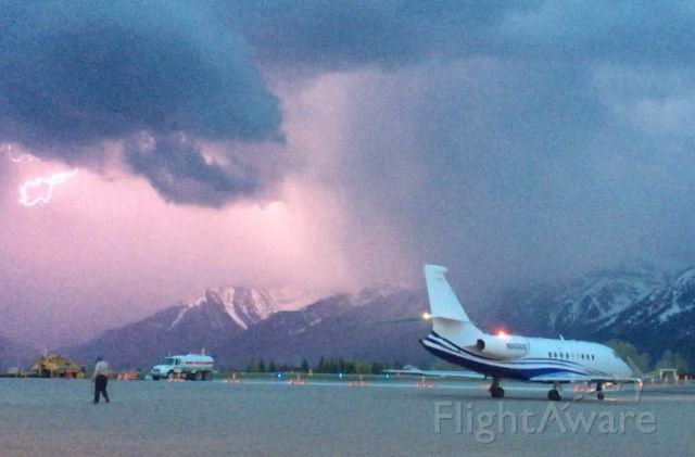 Diamond DA-20 (N555GS) - Heading out before the storm!!