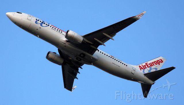 Boeing 737-800 (EC-KCG) - Décollage d un Boing 737-85P, de la compagnie Air Europa, de la piste 08L/26R de l'aéroport de Charles De Gaulle (CDG-LFPG) vers Valence (VLC-LEVC).