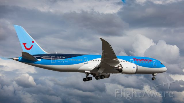 Boeing 787-8 (G-TUIC) - Boeing 787 G-TUIC returning from first flight
