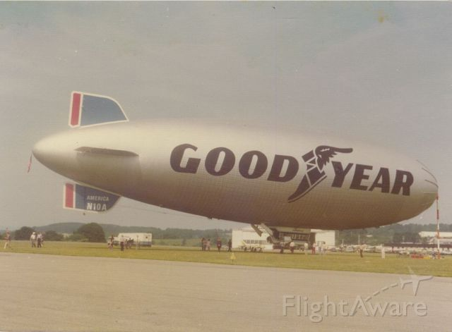 Unknown/Generic Airship (N10A) - scanned from photo