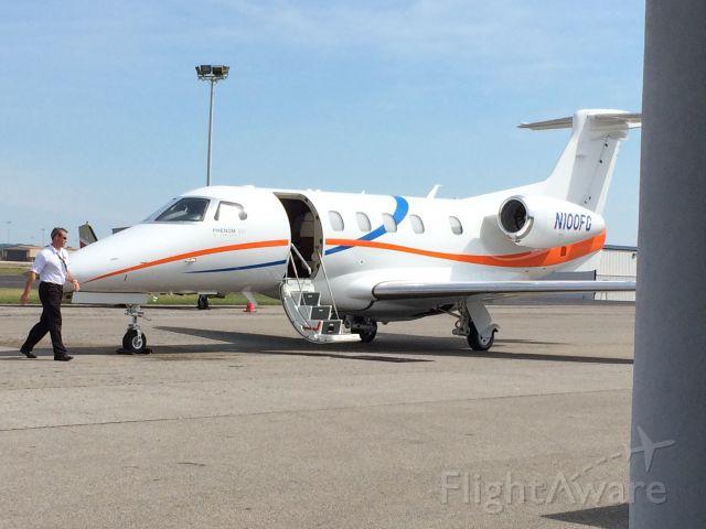 Embraer Phenom 300 (N100FG) - E55P