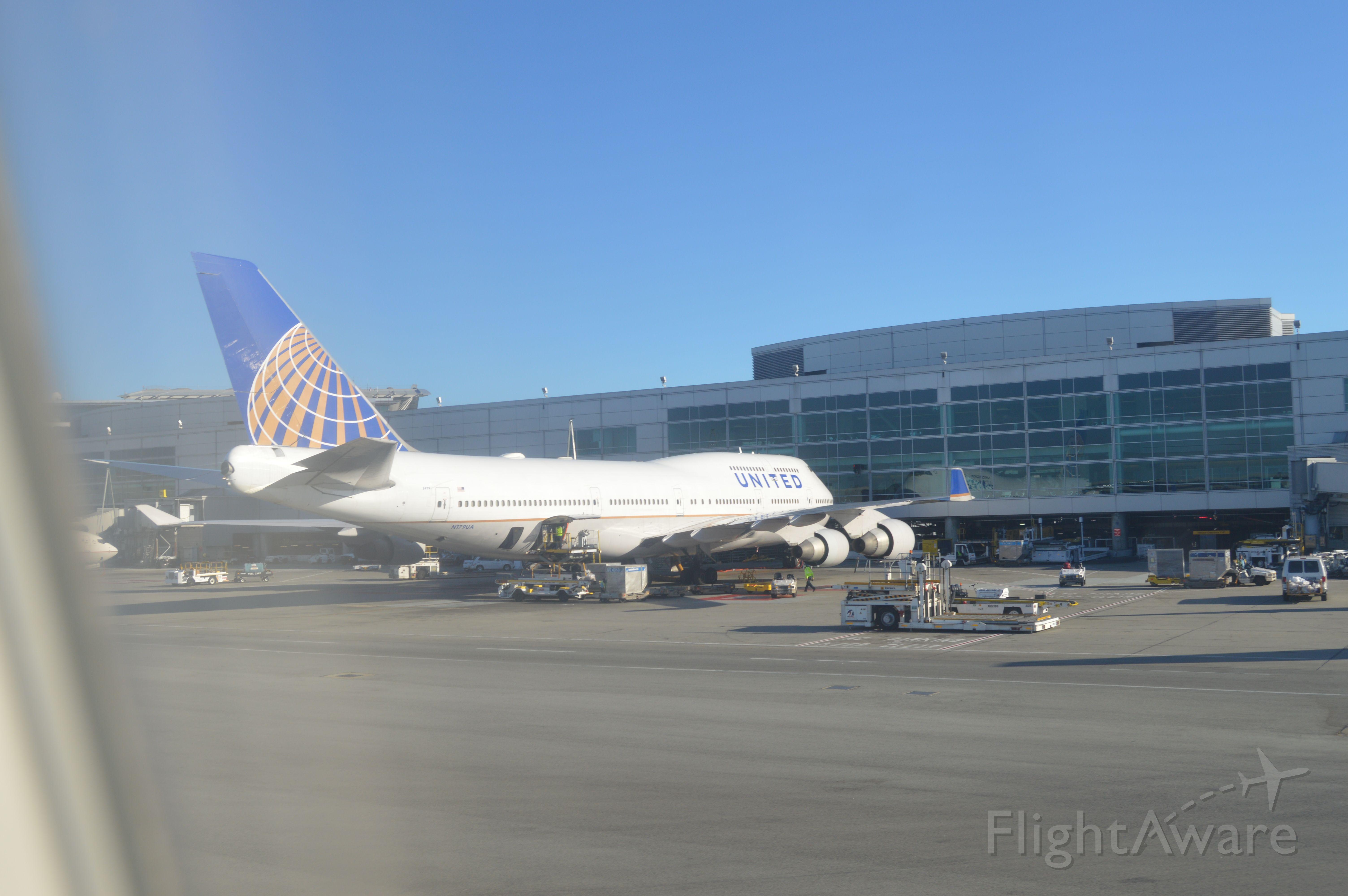 Boeing 747-400 (N179UA)