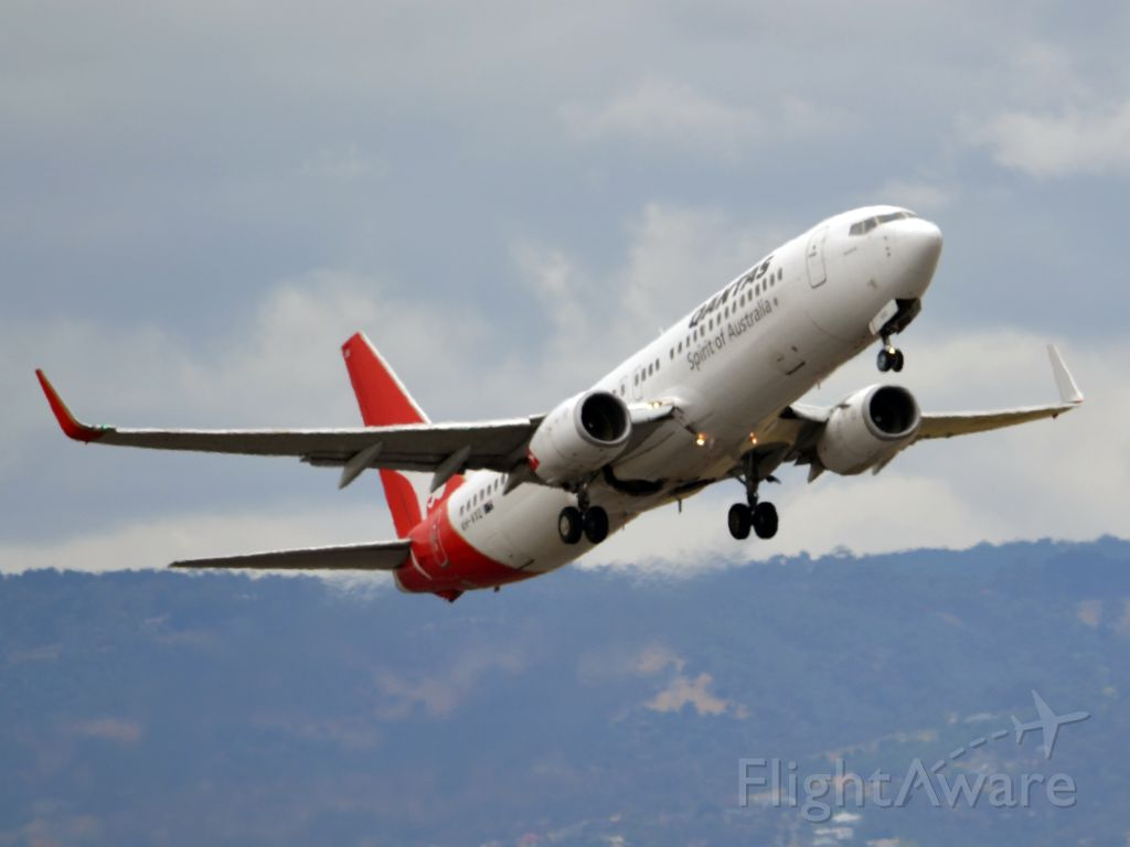 Boeing 737-800 (VH-VXQ) - Getting airborne off runway 23. Tuesday 27th December 2011.