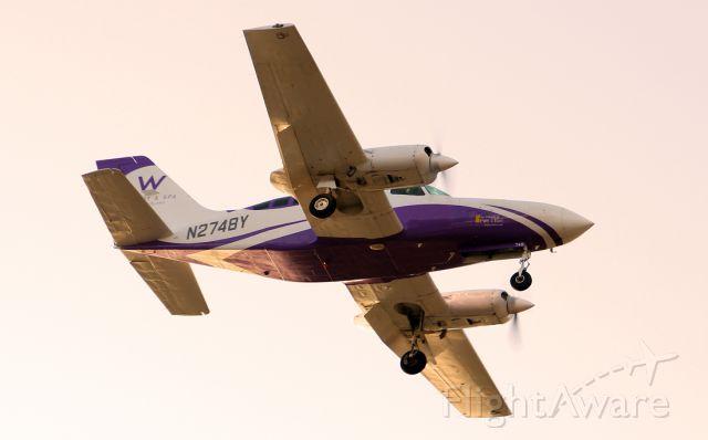 Cessna 402 (N2748Y)