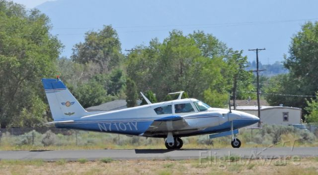 Piper PA-30 Twin Comanche (N7101Y) - Landing on 27 at Carson City