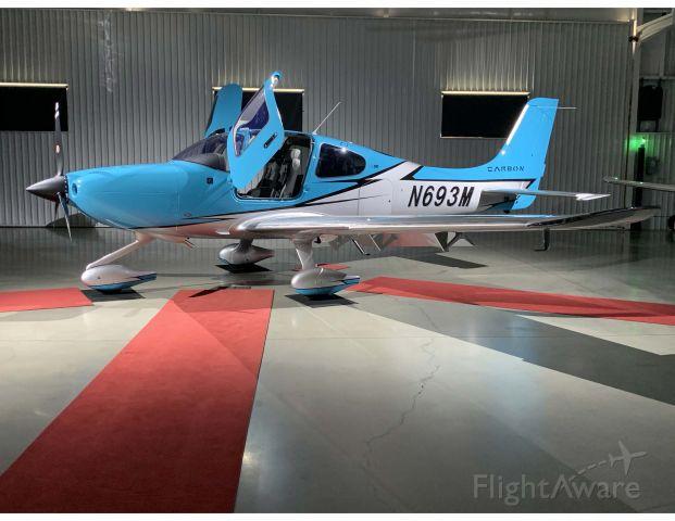 Cirrus SR-22 (N693M) - Delivery Day at Cirrus Design in Knoxville, TN.