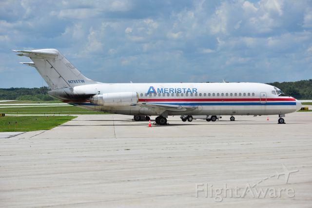 McDonnell Douglas DC-9-30 (N785TW)