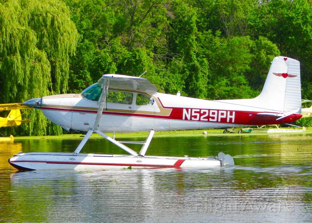 Cessna Skywagon 180 (N529PH) - At AirVenture 2016.