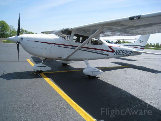 Cessna Skylane (N699CB) - 99er