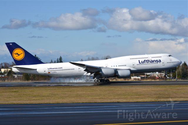 BOEING 747-8 (N5016R)