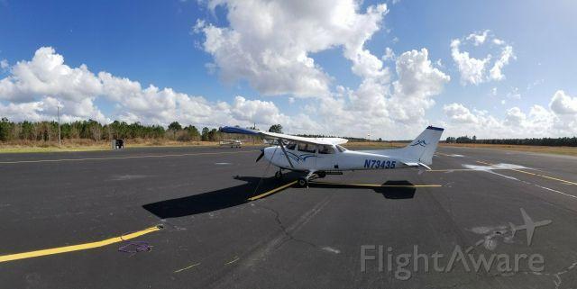 Cessna Skyhawk (N73435)