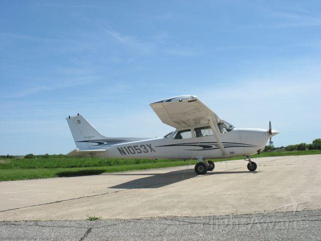 Cessna Skyhawk (N1053X)