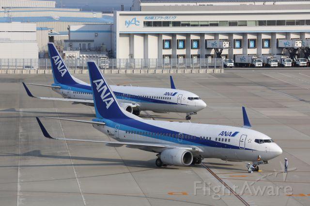Boeing 737-700 (JA09AN)