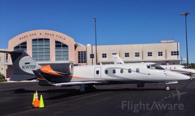 Learjet 60 —