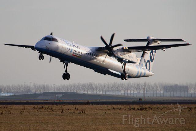 de Havilland Dash 8-400 (G-JECJ)