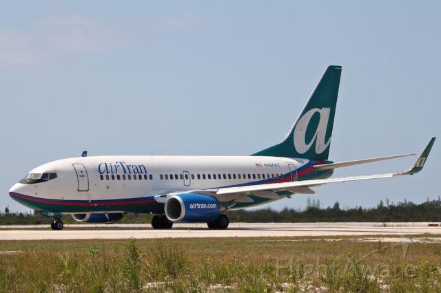Boeing 737-700 (N184AT)