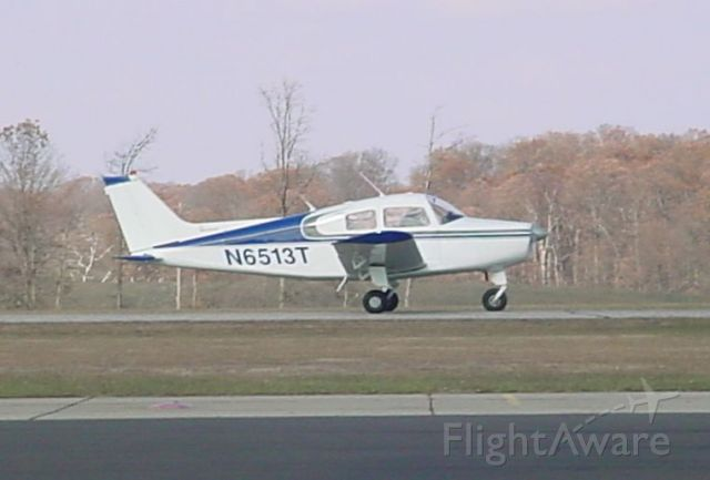 Beechcraft Sundowner (N6513T) - Taxing for 27 departure... 12/2/08