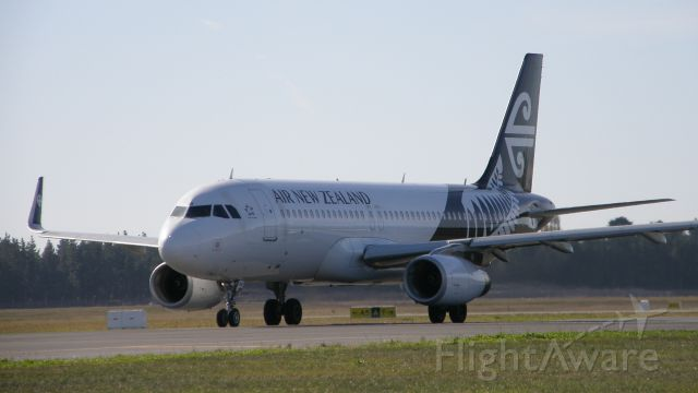 Airbus A320 (ZK-OXB)