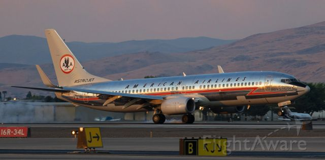 Boeing 737-800 (N905NN) - Making its first visit to Reno after being freshly painted in AA