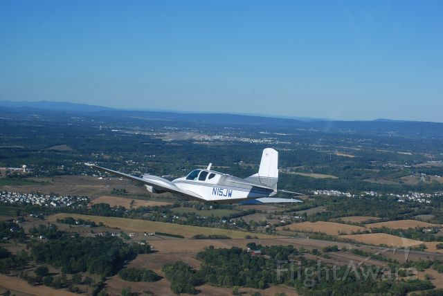 Beechcraft Travel Air (N15JW) - Turning Final