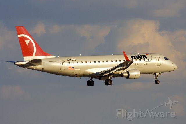 Embraer 170/175 (N613CZ) - Nov. 2, 2008.