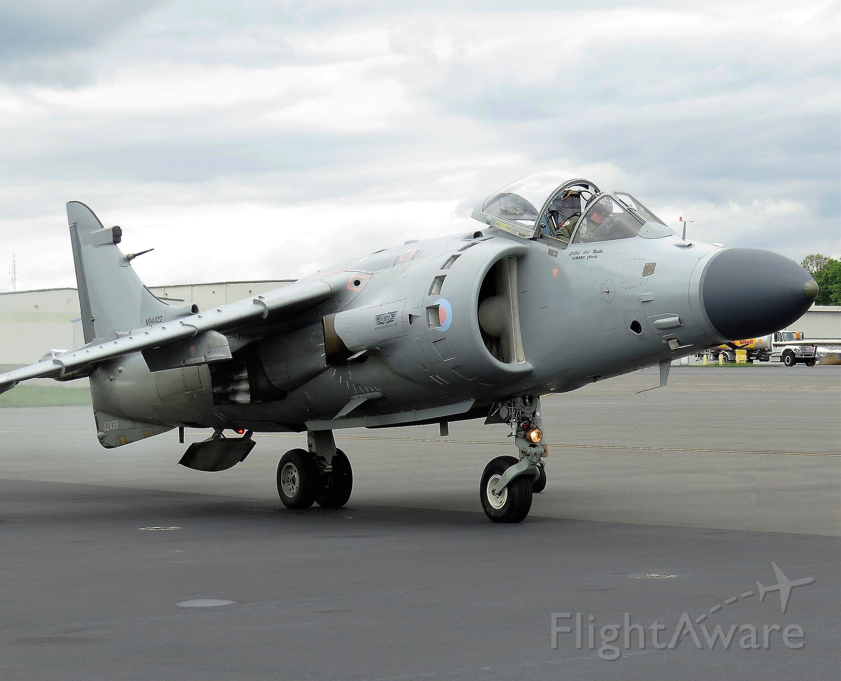 Cessna Skylane (N94422) - British Aerospace Sea Harrier FA2 at Manassas Air Show - 2016