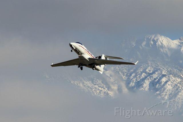 Embraer Phenom 300 (D-CHLR)