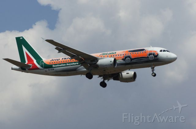 Airbus A320 (EI-DSW) - Alitalia special Jeep Renegade livery ready to land