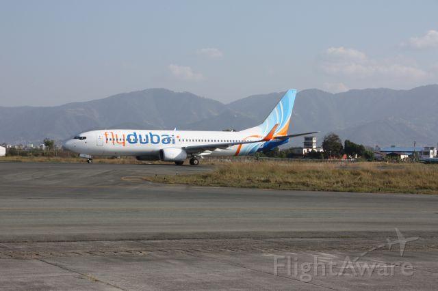 Boeing 737-700 (A6-FDQ)