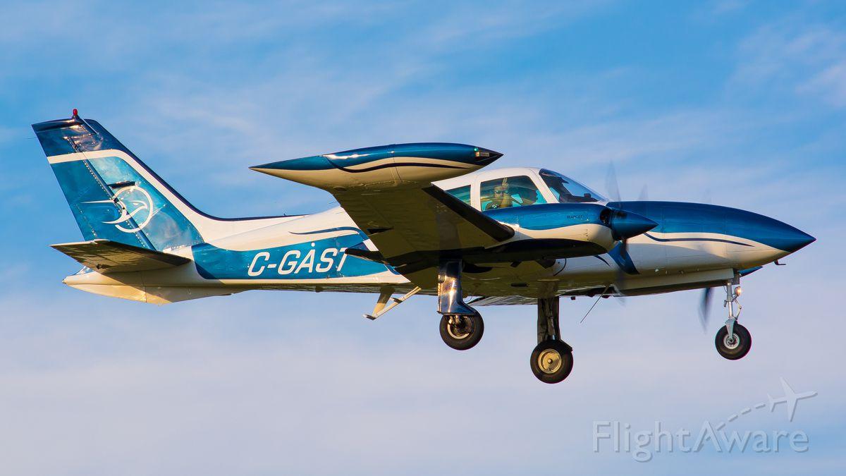 Cessna 310 (C-GAST)
