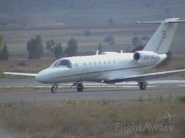 Cessna Citation CJ3 (XA-ALT) - Taxing in runway 20 of Zacatecas