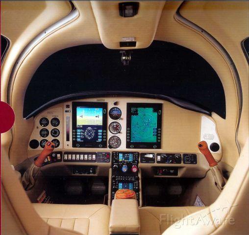 Cessna 400 (N2522F) - Avidyne Cockpit