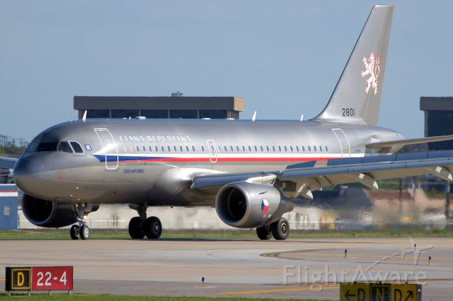 Airbus A319 (CEF05T) - 4 arrival