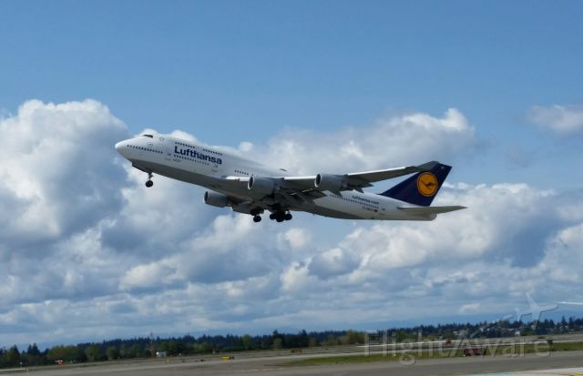 Boeing 747-400 (D-ABVZ) - Luftansa Flt 491 SEA to FRA