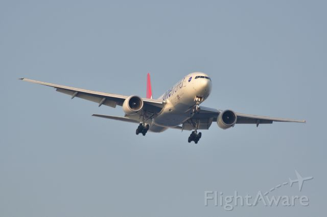 Boeing 777-200 (JA771J) - 2011/10/10