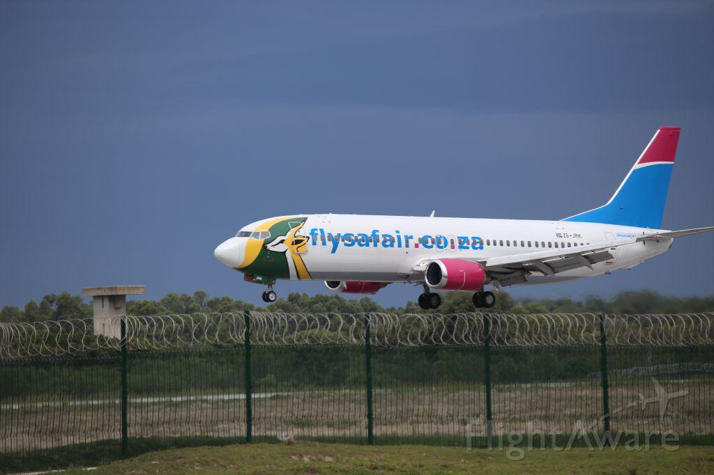 BOEING 737-400 (ZS-JRK)