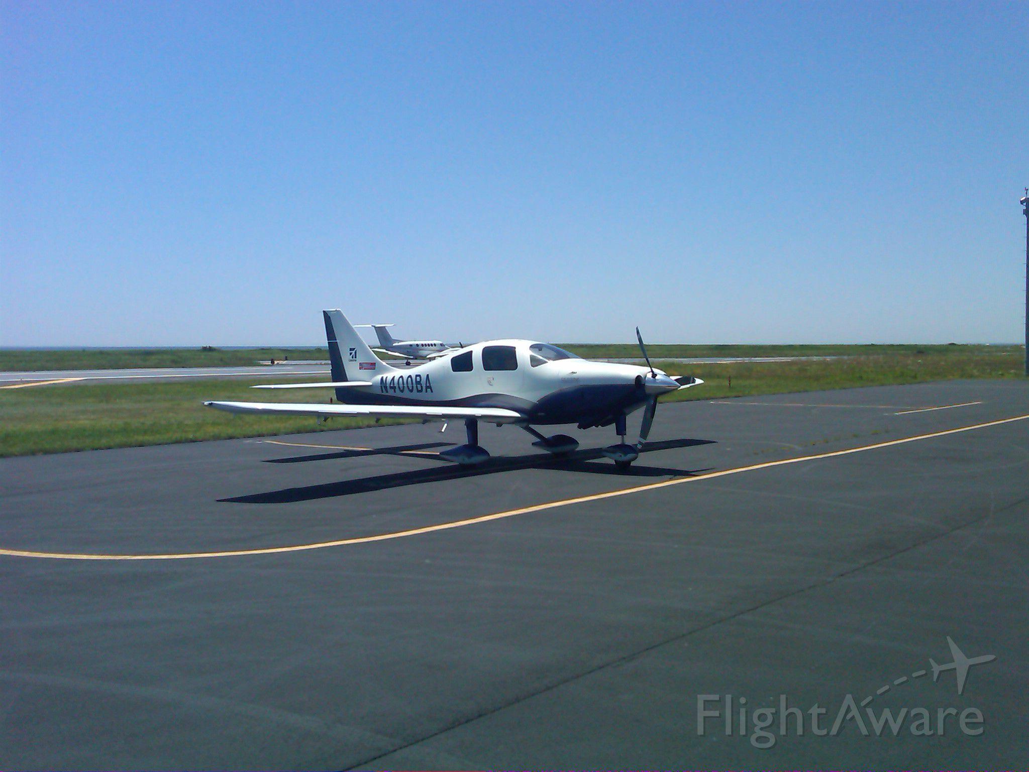 Cessna 400 (N400BA) - 400BA on island (0B8)