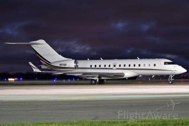 Bombardier Global 5000 (EJA112)