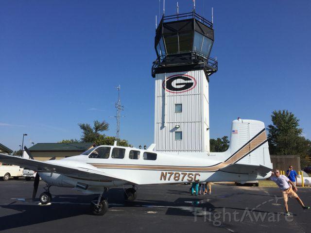 Beechcraft Twin Bonanza (N787SC)