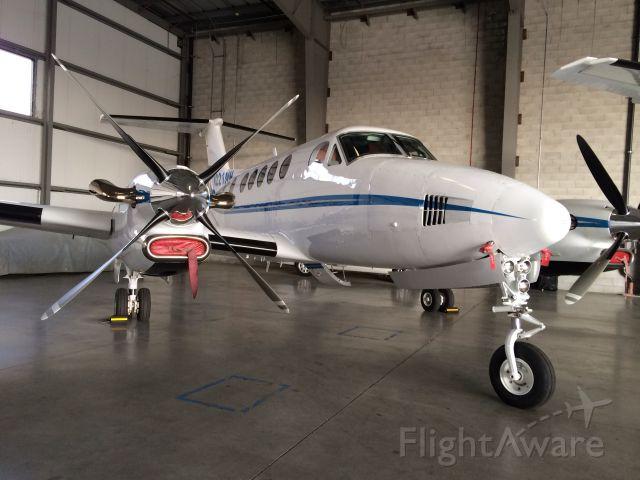 Beechcraft Super King Air 300 (N221MM) - N221MM