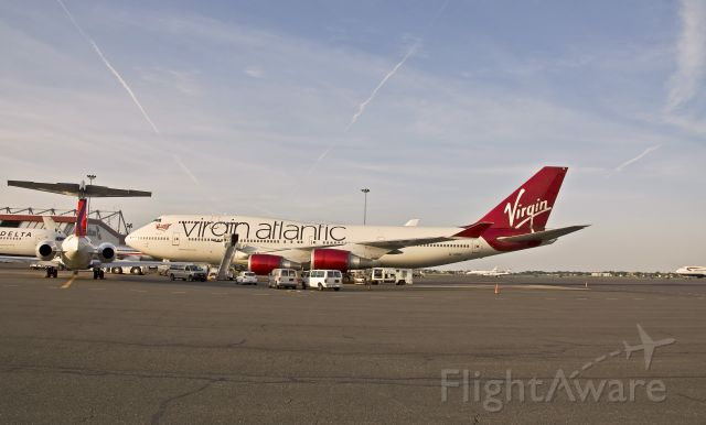 Boeing 747-400 (G-VBIG) - The Queen