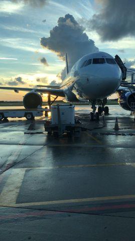 Airbus A320 (N303NV) - Early morning flight