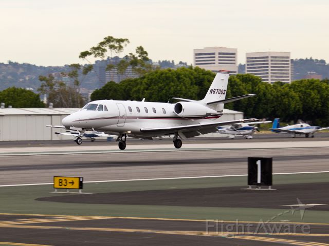 Cessna Citation Excel/XLS (N670QS) - N670QS arriving on RWY 21