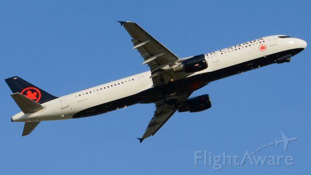 Airbus A321 (C-GITY)