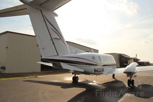 Beechcraft Super King Air 200 (N433JM)
